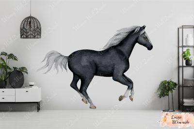 Black-Horse_Large-180-cm-wide